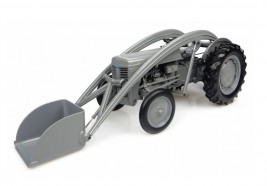 1:16 Ferguson TEA-20 with front loader (1947)