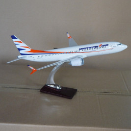 1:100 Boeing 737 MAX8, SmartWings