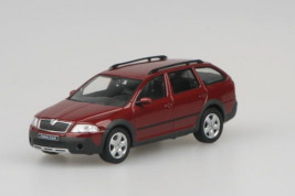 1:43 Škoda Octavia II Scout (2007) – Flamenco Red Metallic