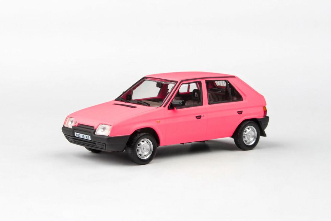 Škoda Favorit 136L (1988) – růžová matná