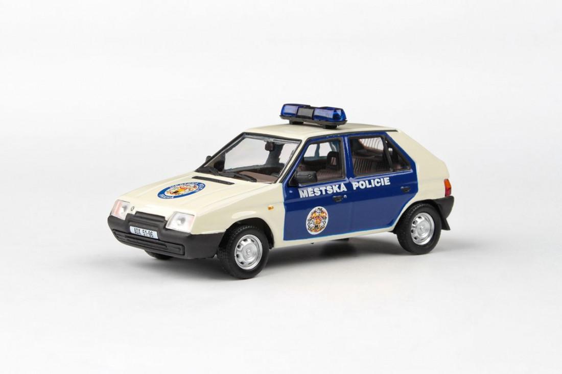 1:43 Škoda Favorit 136L (1988) – městská policie Praha